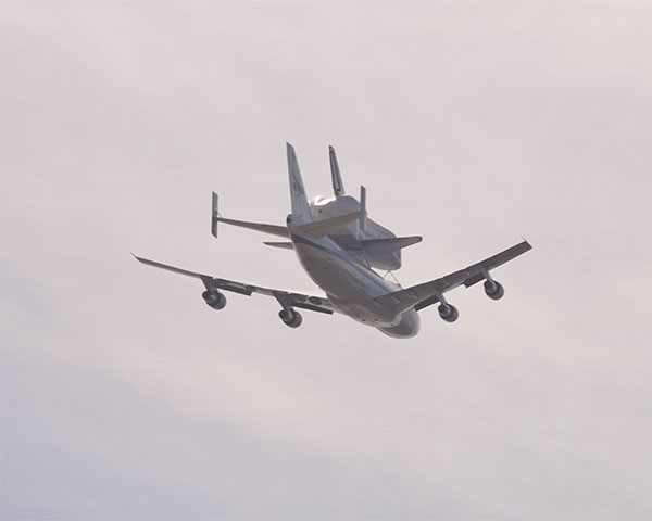Space Shuttle Endeavour Flyover Photos — Justia Law Blog ... |Space Shuttle Flyover
